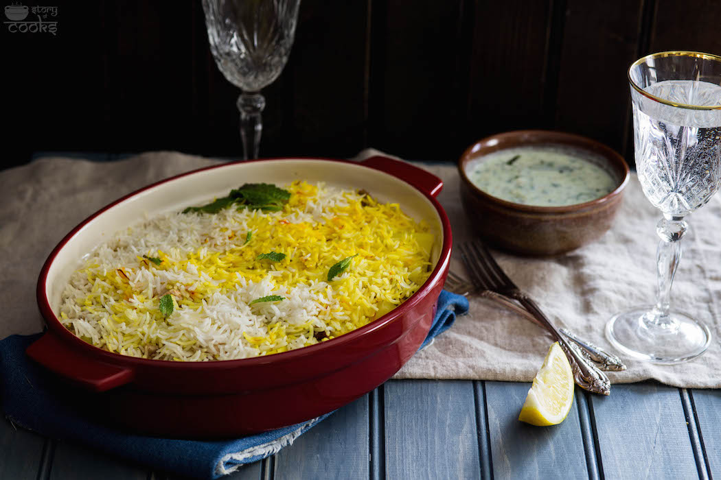 Light chicken biryani i was in a mood for some restaurant style food but i am avoiding restaurants until our vacation in italy so i decided to make my moms light briyani recipe forumfinder Images